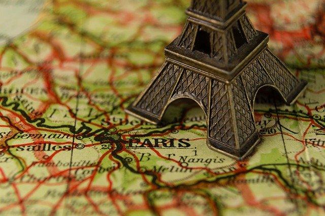 Une boîte postale à Paris